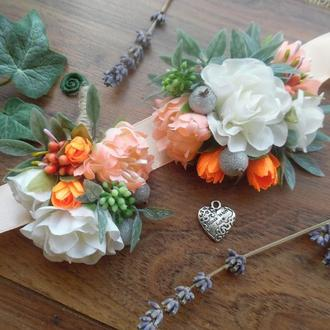 Комплект бутоньерок в стиле Peach Wedding Бутоньерка Повязка с цветами на руку