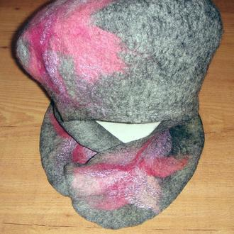 """Валяные шапка и шарф """"Розовая орхидея"""" изготовлены вручную из шерсти методом мокрого валяния"""