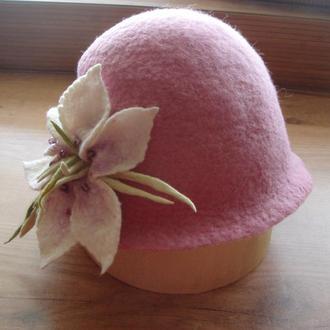 """Женская валяная шляпа """"Розовое ретро"""" изготовлена вручную из мериносовой австралийской шерсти"""