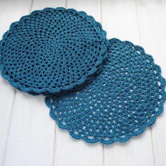 Набор подставок под горячее / под тарелку / набор салфеток цвета темной бирюзы вязаных крючком