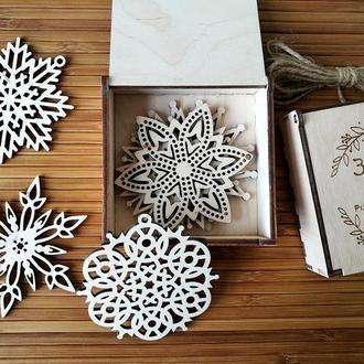 Набор снежинок из дерева (4 шт)