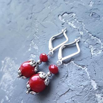 Сережки червоні коралові зі срібними застібками красные коралловые серьги
