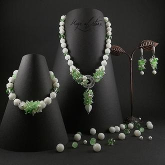 Комплект украшений из агата,кахалонга,хризопраза и серебра 925 пр.
