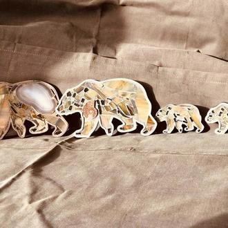 Декор из натуральных камней и витражного стекла  « Семья медведей»