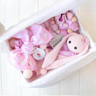 """Подарочный baby box """"Зайчик с середчками"""""""