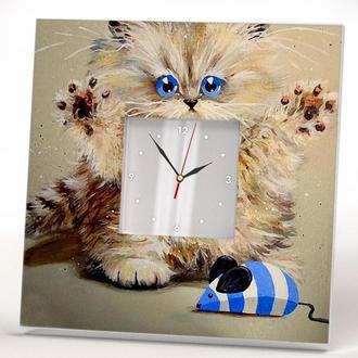 """Квадратные часы с очень карсивым рисунком """"Милый кот"""""""