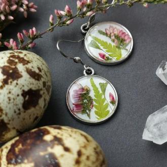 Серьги с цветами, цветы в смоле, украшения с высушенными цветами, весенние серьги, серьги с вереском