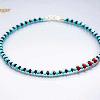Ожерелье с бирюзы, черного агата и красного коралла