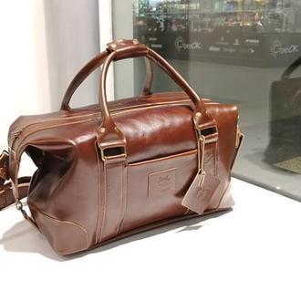Дорожная кожаная сумка PRAGA. Спортивная сумка из глянцевой оливковой кожи