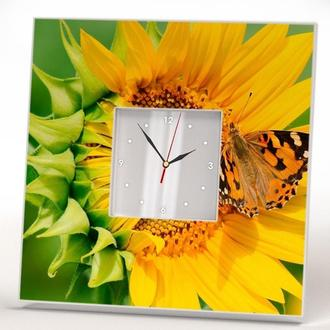 """Настенные часы с красивым декором на кухню """"Подсолнух и бабочка"""""""