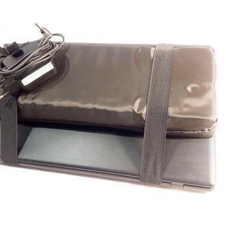 Накладка на экран. Защищает экран ноутбука или Macbook. Носить можно в любой сумке.