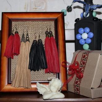Серьги кисточки из натуральной кожи – черного цвета, стильные, модные,оригинальные.