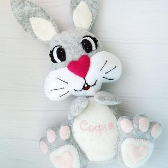 """М'яка іграшка з фетру """"Кролик - веселун"""""""