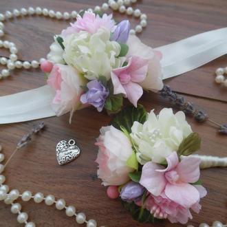 Комплект бутоньерок Бутоньерка для жениха, свидетеля Повязка с цветами для подружки, невесты