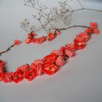 Колье из цветов.Текстильное колье