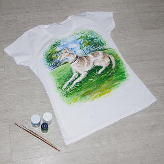 Футболка с росписью, собака в лесу
