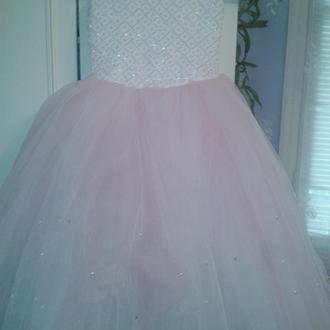 Нарядные платья подростковые и детские