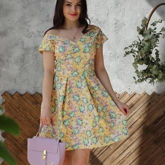 Желтое коттоновое платье