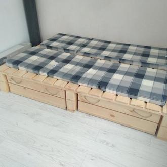 Кровать из паллет поддонов