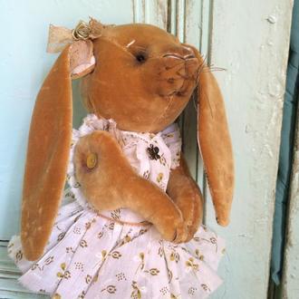 Маленький пасхальный кролик. Коллекционная кукла.