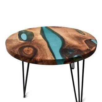 Стол из слэба натурального дерева с эпоксидной смолой. Журнальный столик
