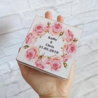 Именная шкатулка для свадебных колец Свадьба роз Розовая свадьба Подушка для подношения колец