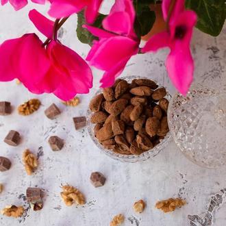 Горішки у молочному італійському шоколаді 100г