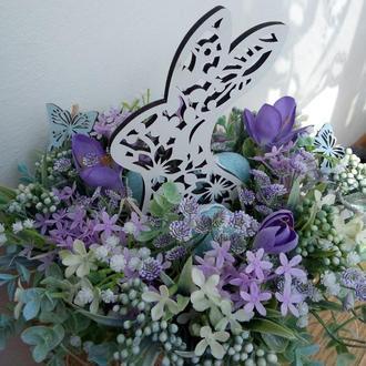 Весняна пасхальна композиція заяць на великодній стіл, великодня композиція, заяць пасхальний