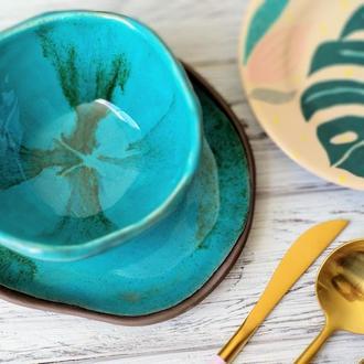 Миска и тарелка бирюзового цвета