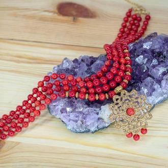 Стильное,яркое дизайнерское ожерелье из натурального красного коралла с позолоченым подвесом