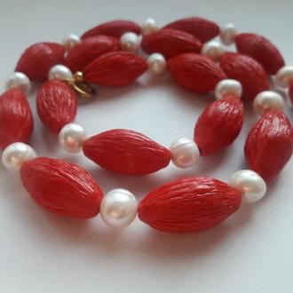 Яркие бусы,ожерелье из натурального жемчуга и полимерной глины