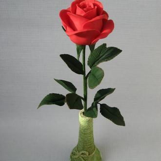 Красная роза из холодного фарфора.