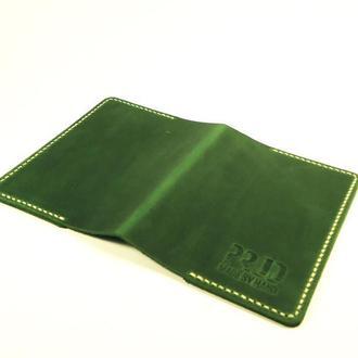 Обложка на паспорт из кожи ручной работы