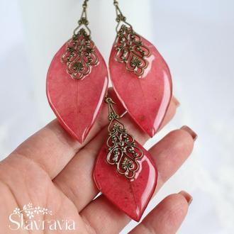 Яскравий червоний набір сережки підвіска з листочків дикого винограду • красный комплект из листьев