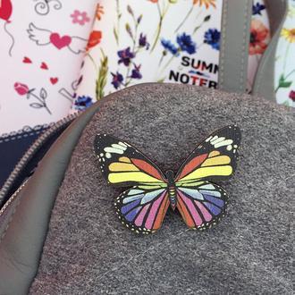 """Деревянный значок """"Бабочка"""""""