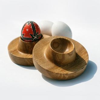 Деревянная подставка для яйца