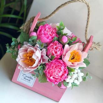 Сладкая цветочная композиция