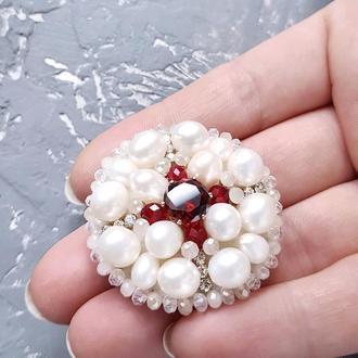 Брошка з натуральних перлів з кристалом циркону брошь из жемчуга и кристаллов белая красная