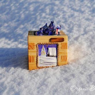 Новогодний подарочный бокс из натурального дерева ручной работы с объемным рисунком