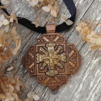 Дерев'яний дукач, натільний хрестик, кулон