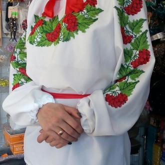 Сорочка женская, вышитая бисером Чехия
