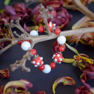 """Дизайнерский яркий браслет из натурального коралла,белого агата и бусин лэмпворк """"ЯГОДКА""""❤️🍒"""