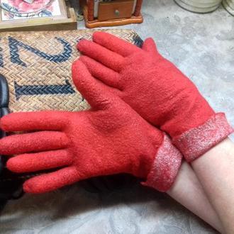 Яркие перчатки из овечьей шерсти