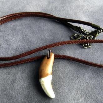 Амулет Волчий зуб натуральный от 25мм коричневый кожаный шнур от 40мм - 01