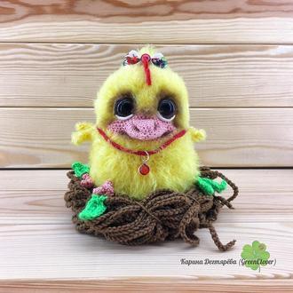 Пасхальный цыпленок в гнезде
