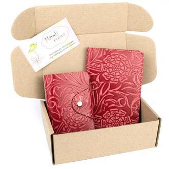 Подарунковий набір №28: Обкладинка на паспорт + візитниця (червоний квітка)