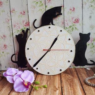 Настенные часы Коты - точечная роспись