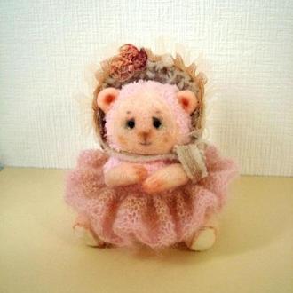 Мишка (вязаная) в шляпке