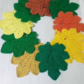 Вязанные прихватки и декор для кухни  в виде осенних листиков