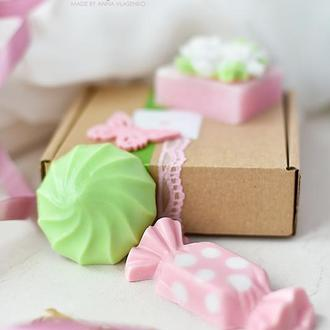Подарочный набор сувенирного мыла Love in Spring Чайный